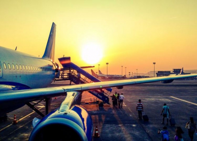 Befellegezhet az olcsó repülőjegyeknek?