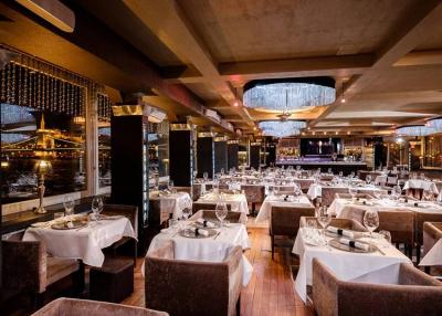 Új üzemeltetőt kap a népszerű belvárosi étteremhajó